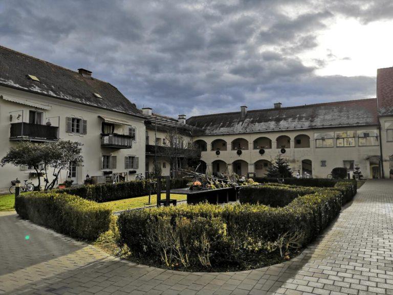Ausflugsziel: Schloss Burgau, Utopientisch