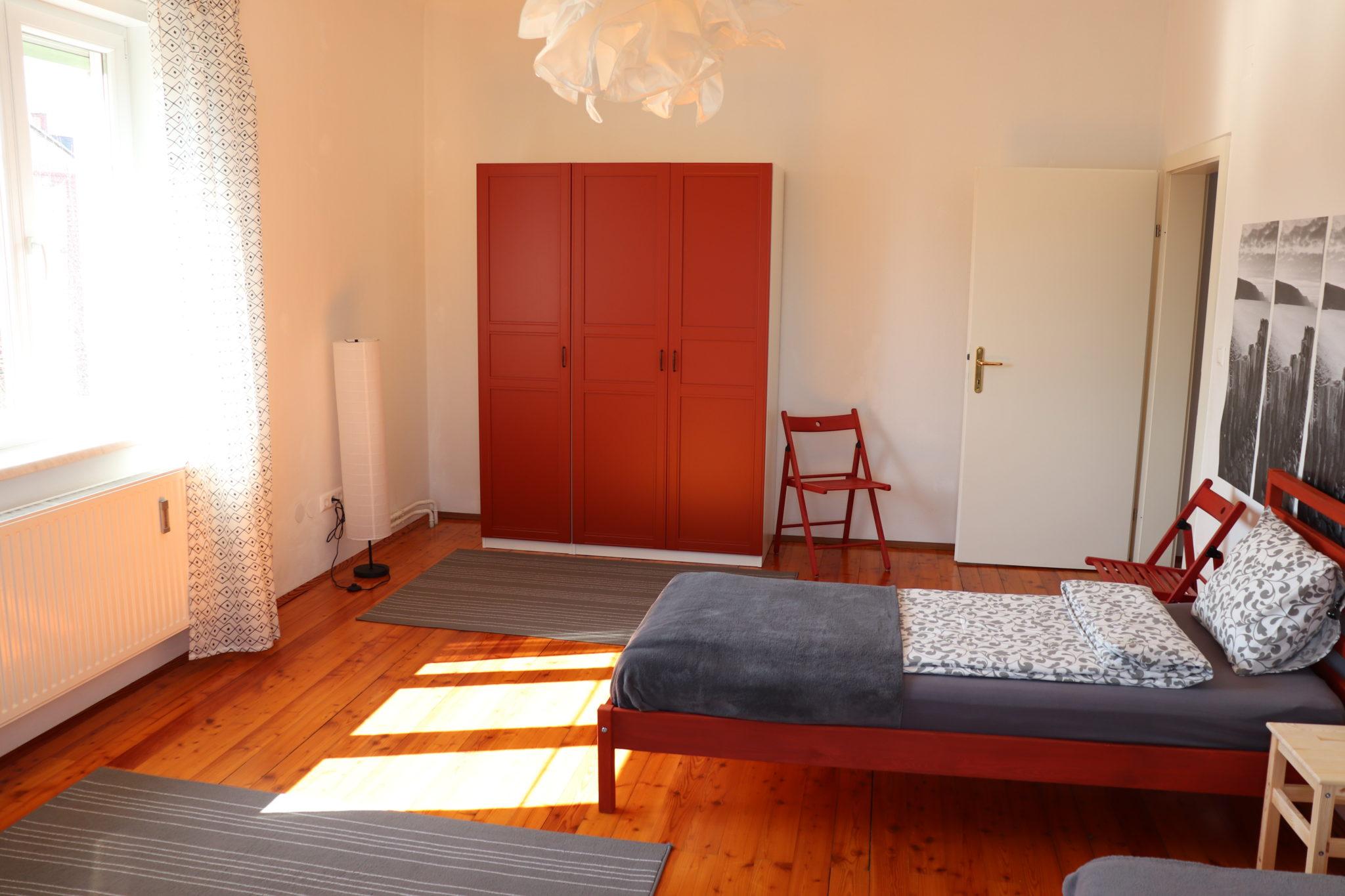 Zimmer mit drei Einzelbetten